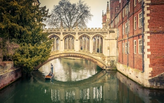 the-bridge-of-sigh-at-saint-johns-college-cambridge - Verisure Smart Alarms