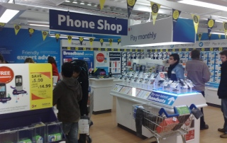 Customer story: Ahmed Muhammad (mobile phone shop owner) - Verisure Smart Alarms