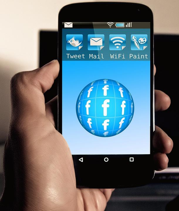 How burglars use social media - Verisure Smart Alarms